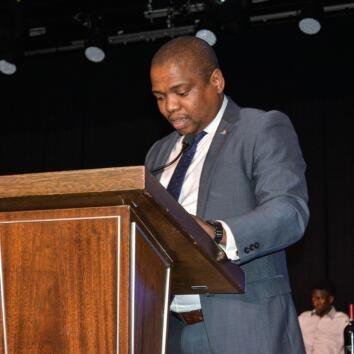 Dr Bandile Hadebe